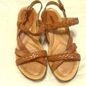 Earth Wedges size 8B